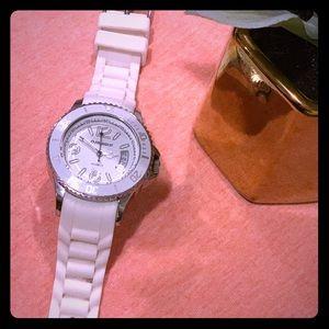 Women's White Watch ⏰